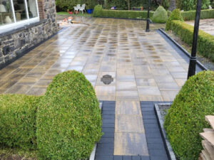 Barleystone Paved Patio with Charcoal Damson Border in Edenderry, Co. Offaly